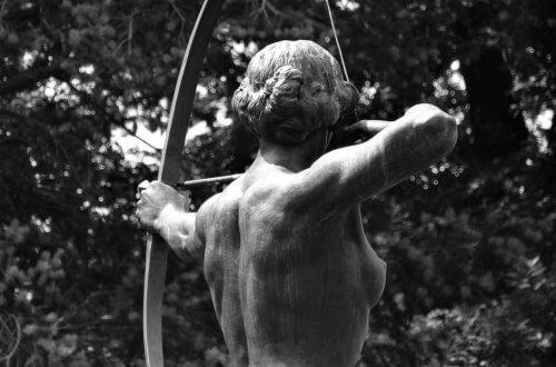 Visualisierung: Frau mit gespanntem Bogen.